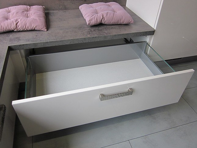 eckb nke nobilia ausstellungsst ck 555 luxor 838 lack sand hochglanz nobilia k chensitzbank mit. Black Bedroom Furniture Sets. Home Design Ideas