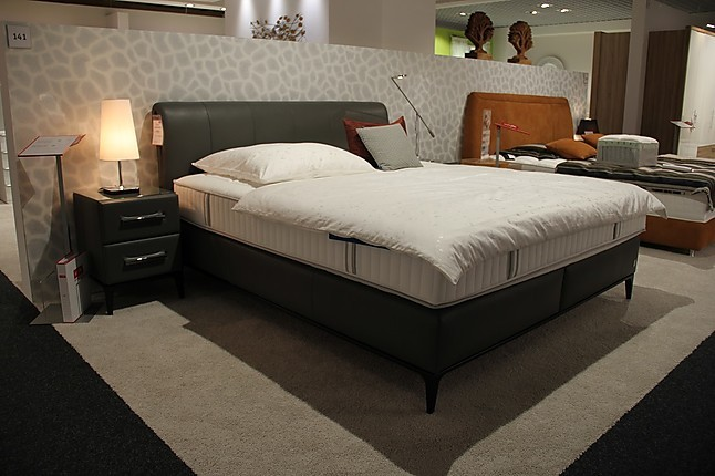 betten elegance boxspring bett mit nachtkommoden joop. Black Bedroom Furniture Sets. Home Design Ideas