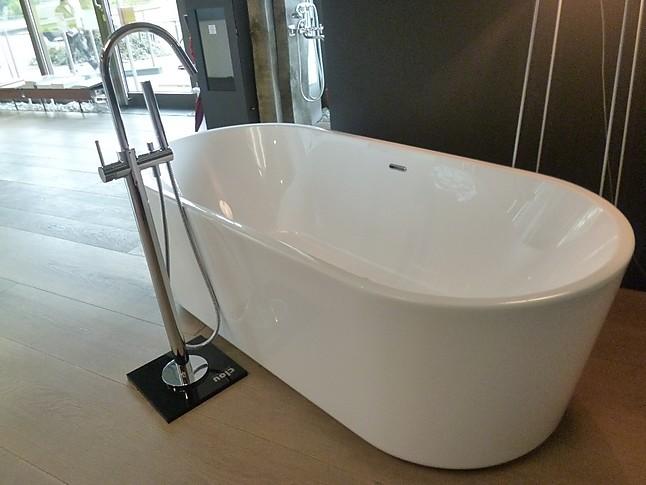 diverses badewanne freistehend modell inbe fa clou badewanne freistehend acryl mit. Black Bedroom Furniture Sets. Home Design Ideas
