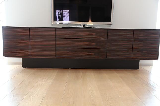 schr nke und vitrinen moderne anrichte anrichte sidebord neue wiener werkst tte m bel von. Black Bedroom Furniture Sets. Home Design Ideas