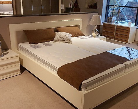 Mobelabverkauf schlafzimmer betten reduziert for Bett ausstellungsstück