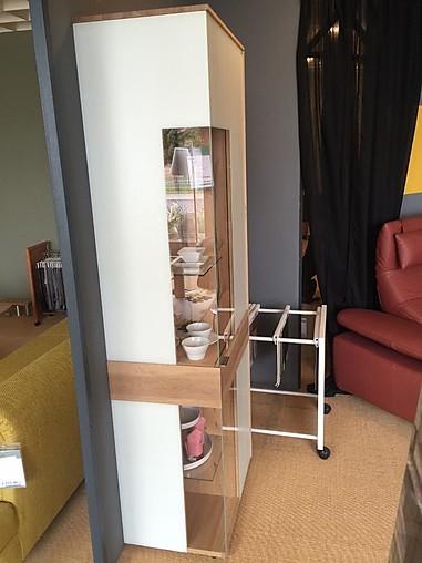 schr nke und vitrinen v solid vitrine voglauer m bel von. Black Bedroom Furniture Sets. Home Design Ideas