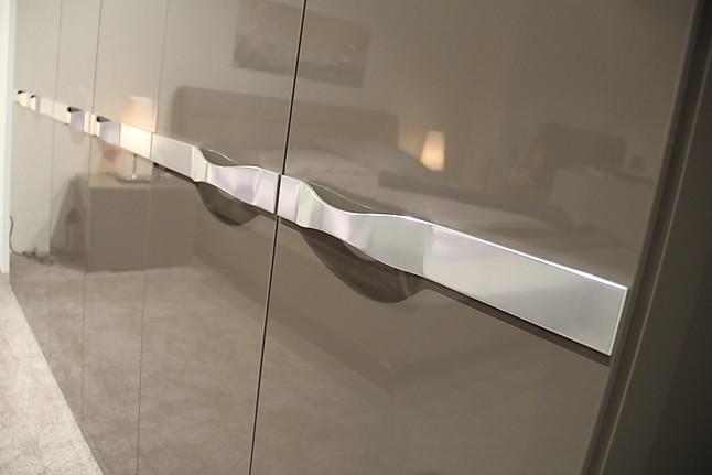 gem tlich kleiderschrank joop ideen die besten einrichtungsideen. Black Bedroom Furniture Sets. Home Design Ideas