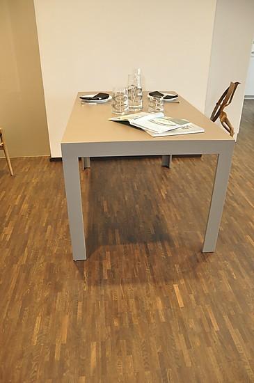 Esstische tisch c2 88 lehm 2 bulthaup tisch laminat for Laminat abverkauf