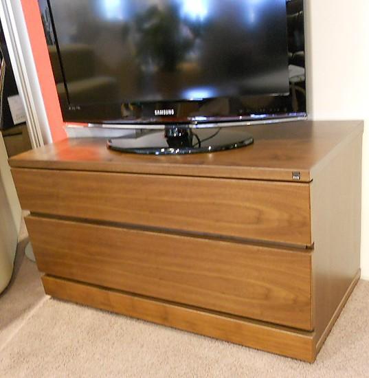 schr nke und vitrinen lowboard von skovby skovby tv hi fi lowboard sm 86 hausmarke m bel von. Black Bedroom Furniture Sets. Home Design Ideas