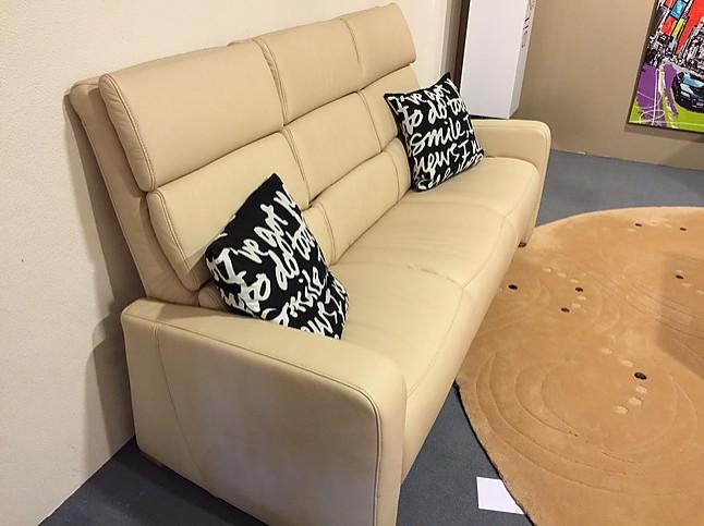 sofas und couches avellino 3 sitzer couchgarnitur himolla m bel von by land m belstudio in. Black Bedroom Furniture Sets. Home Design Ideas
