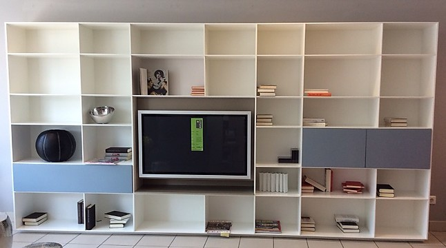 regale und sideboards puro tv regalwand piure m bel von. Black Bedroom Furniture Sets. Home Design Ideas