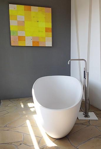 diverses badewanne freistehend smooth 1 fa rifra badewanne freistehend mineralwerkstoff. Black Bedroom Furniture Sets. Home Design Ideas