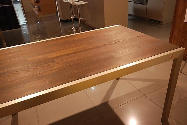 esstische tisch tisch mit massiver nu baum platte sonstige m bel von k chen zahn gmbh in limburg. Black Bedroom Furniture Sets. Home Design Ideas