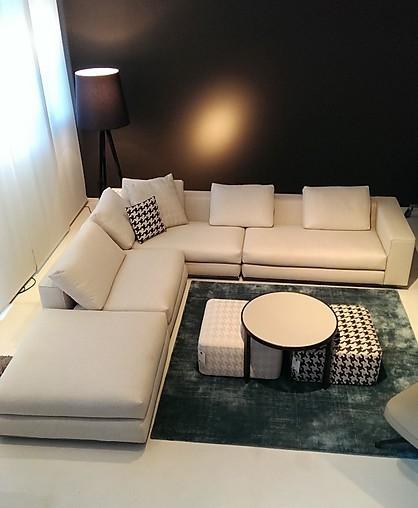 sessel hamilton sofalandschaft mit hockern und tisch. Black Bedroom Furniture Sets. Home Design Ideas