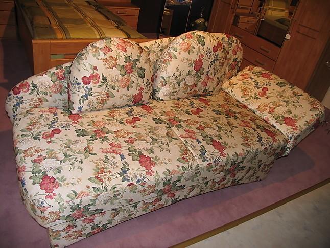 sofas und couches nehl mod tim blumige einzelliege mit bettkasten sonstige m bel von. Black Bedroom Furniture Sets. Home Design Ideas