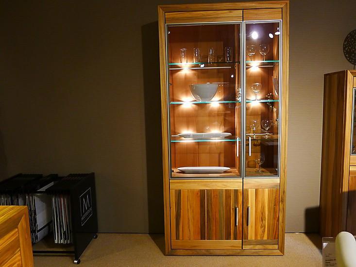 schr nke und vitrinen fageo vitrine meisterst cke m bel. Black Bedroom Furniture Sets. Home Design Ideas