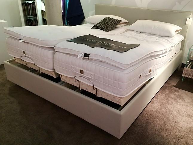 betten leder polsterbett cube inside treca m bel von meiser k chen gmbh in hanau steinheim. Black Bedroom Furniture Sets. Home Design Ideas