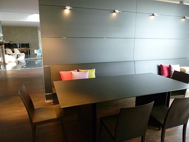 st hle bulthaup b3 und wangebtisch c3 paneelwand b3 mit h ngebank wangentisch c3 4 st hle. Black Bedroom Furniture Sets. Home Design Ideas