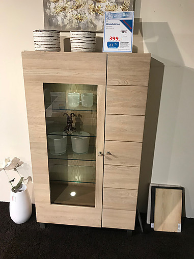 schr nke und vitrinen 999 wandvitrine hausmarke m bel von. Black Bedroom Furniture Sets. Home Design Ideas
