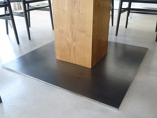 esstische boss basic quadrato vollholztisch riva m bel. Black Bedroom Furniture Sets. Home Design Ideas