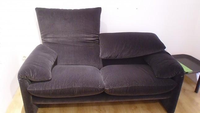 sofas und couches cassina maralunga 2 sitz sofa design by vico magistretti sonstige m bel von. Black Bedroom Furniture Sets. Home Design Ideas