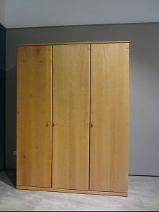 kleiderschr nke mod mz 1915 kleiderschrank team7 m bel. Black Bedroom Furniture Sets. Home Design Ideas