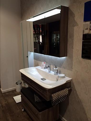 badezimmerschr nke platinum ausstellungsbad joop m bel von wohnfitz gmbh in walld rn. Black Bedroom Furniture Sets. Home Design Ideas