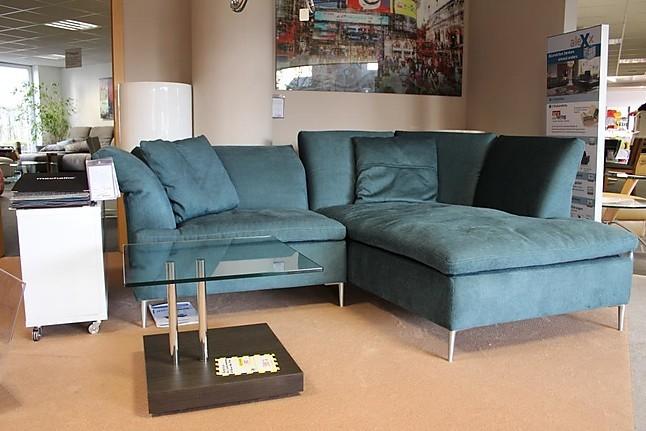 Sofas und Couches Sofa Emily Das filigrane Sofa, das in vermutlich ...