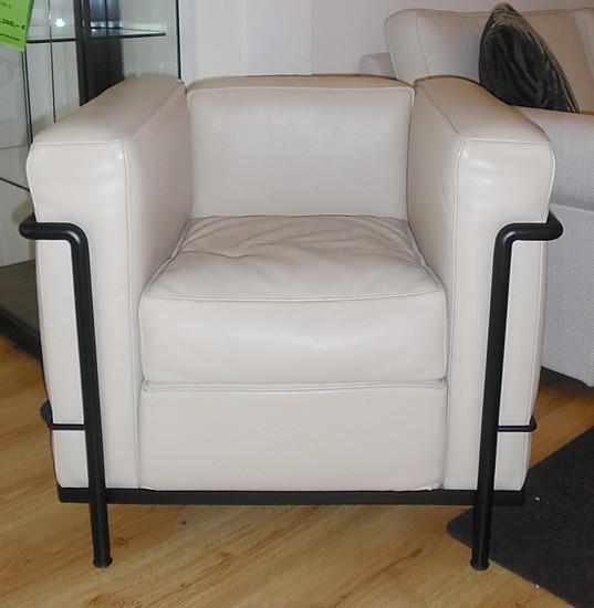 sessel cassina lc 2 le corbusier classic sessel m bel von meiser k chen gmbh in hanau. Black Bedroom Furniture Sets. Home Design Ideas