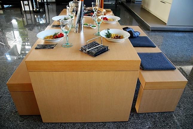 st hle massive edle sitzgruppe eiche naturgrau bulthaup. Black Bedroom Furniture Sets. Home Design Ideas
