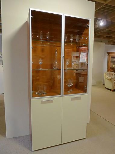 schr nke und vitrinen link day von md house vitrine. Black Bedroom Furniture Sets. Home Design Ideas
