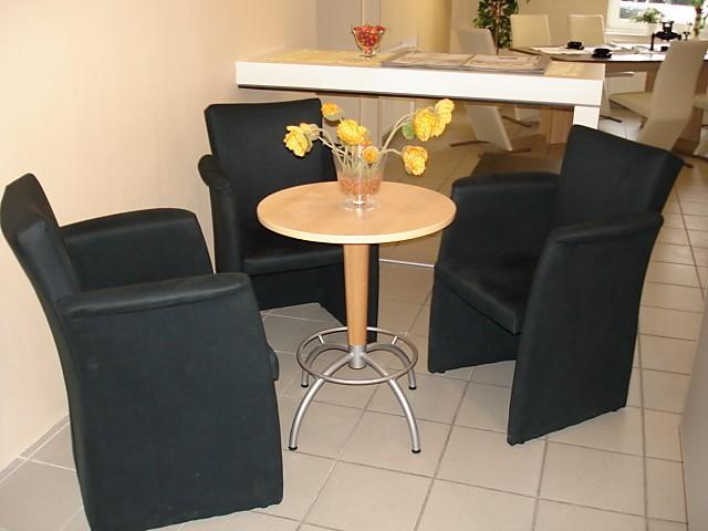 st hle sitzgruppe bestehend aus 3 sessel mit tisch rund von tacke 3 sessel mit tisch hausmarke. Black Bedroom Furniture Sets. Home Design Ideas