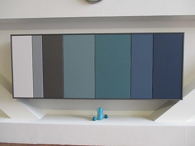 regale und sideboards sideboard soft lack farben blau gr n grau wei ausstellungsst ck. Black Bedroom Furniture Sets. Home Design Ideas