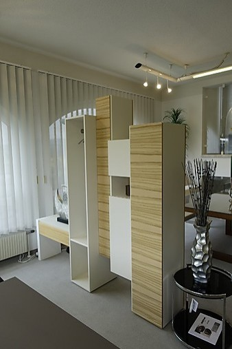 garderoben skyline raumteiler garderobe skloib m bel von einrichtungsstudio scharfm ller in. Black Bedroom Furniture Sets. Home Design Ideas