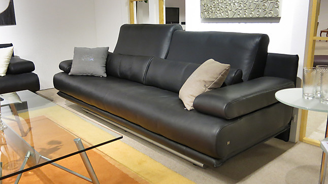 sofas und couches rolf benz 6500 absoluter klassiker von rolf benz in gepflegter lederoptik. Black Bedroom Furniture Sets. Home Design Ideas