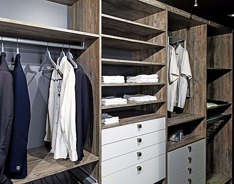 Möbelabverkauf - Schlafzimmer: Kleiderschränke reduziert