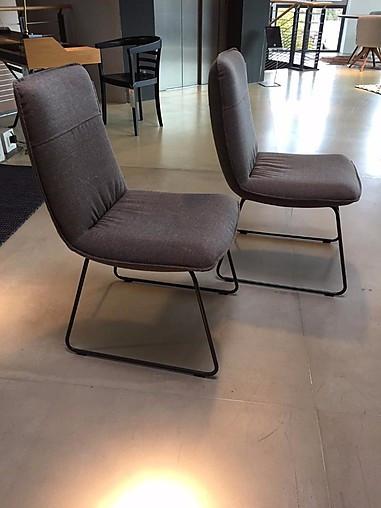 59624c7cc8d2a4 Stühle 606 2 Stühle im lässigen Look  Rolf Benz-Möbel von Meiser ...