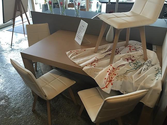esstische tisch dehli und st hle dream 2 holztisch mit modernen st hlen schmidt m bel von in. Black Bedroom Furniture Sets. Home Design Ideas