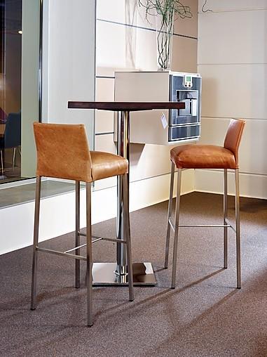 esstische stehtisch nussbaum massiv sonstige m bel von. Black Bedroom Furniture Sets. Home Design Ideas