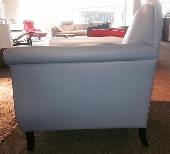 sofas und couches ledersessel lyra von poltrona frau. Black Bedroom Furniture Sets. Home Design Ideas
