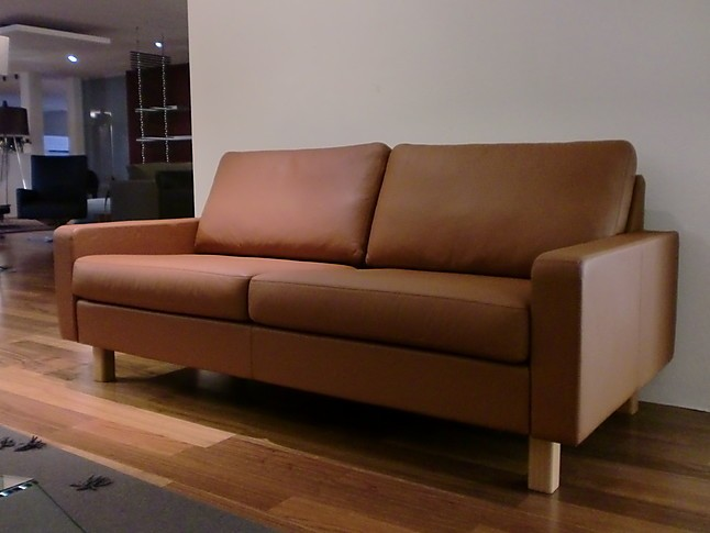 sofas und couches cor sofa conseta leder braun cor sofa conseta leder braun cor m bel von. Black Bedroom Furniture Sets. Home Design Ideas