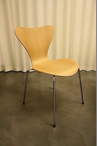 Stühle Serie 7 Stuhl: Fritz Hansen-Möbel von Gienger Küchen- und ...