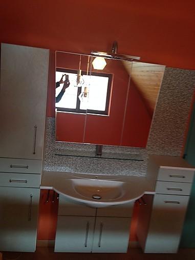 badezimmerschrank mit waschbecken sonstige m bel von k chenstudio. Black Bedroom Furniture Sets. Home Design Ideas