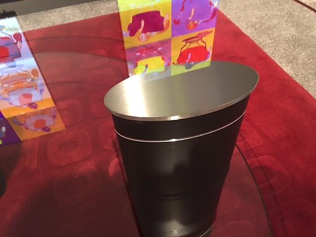 couchtische jazz runder tisch stressless m bel von die einrichtung kleemann kg in kornwestheim. Black Bedroom Furniture Sets. Home Design Ideas