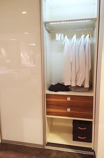 garderoben logo 28 mit sinus t ren schranksystem von tr ggelmann sonstige m bel von meiser. Black Bedroom Furniture Sets. Home Design Ideas