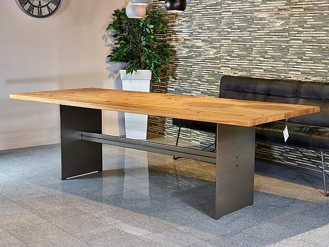 esstische massive ast eiche tisch sonstige m bel von. Black Bedroom Furniture Sets. Home Design Ideas