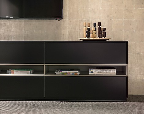 m belabverkauf wohnzimmer regale und sideboards reduziert. Black Bedroom Furniture Sets. Home Design Ideas