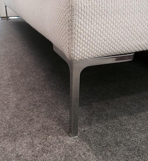 sofas und couches charles sofalandschaft mit hocker b b italia m bel von meiser k chen gmbh in. Black Bedroom Furniture Sets. Home Design Ideas